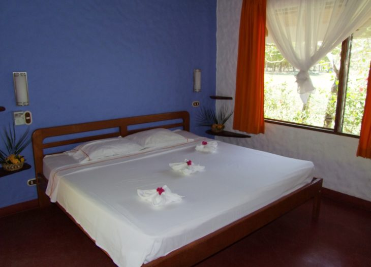 King Size bed 14